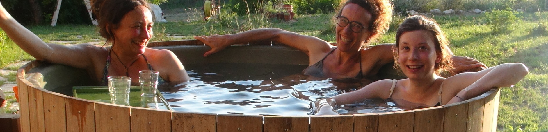 vasca all'aperto naturale dutchtub wood bed breakfast